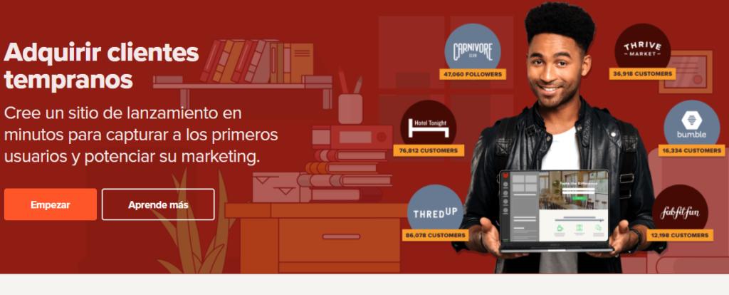Permite crear landing pages personalizadas y obtener ayuda en la comercialización